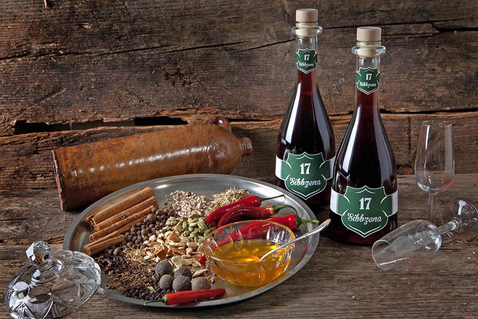 Sibbzena Kräuterlikör mit Honig und Chili